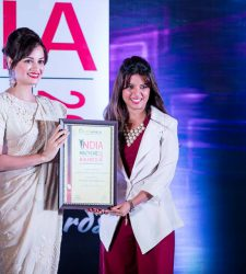 FASTEST GROWING DENTIST IN MUMBAI at the INDIA HEALTHCARE AWARDS 2016